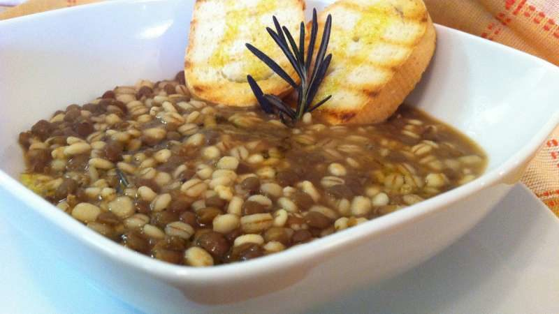 La zuppa di farro e lentichie